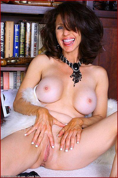 Erotic massage Essex